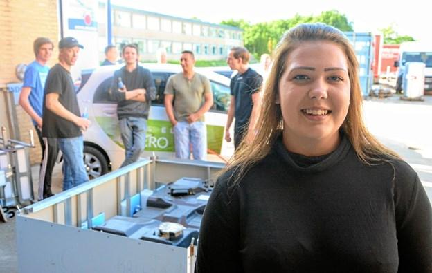 Auto-lærling Camilla Bak fra Vendsyssel Autoopretning har taget en aktiv rolle i foreningen og planlagt de to arrangementer man har afholdt indtil nu. Foto: EUC Nord