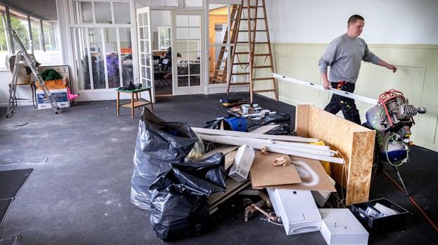 Renoveringsarbejdet af de gamle lokaler i Karolinelund er allerede godt i gang. Foto: Torben Hansen.
