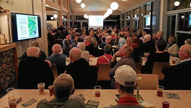 Aldrig før har så mange medlemmer af Volstrup Golfklub været samlet på én gang. Privatfoto