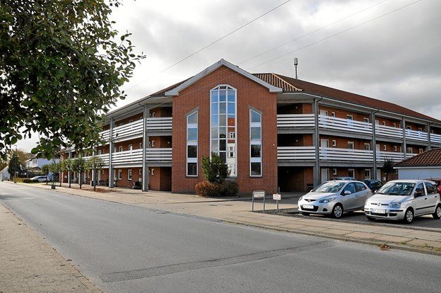 Blåbærhaven er placeret mellem Geraavej og Multebærvej og rummer 28 etageboliger med elevator. Der forestår nu en større renovering af bebyggelsen, som her er set fra Geraavej. Foto: Ole Torp