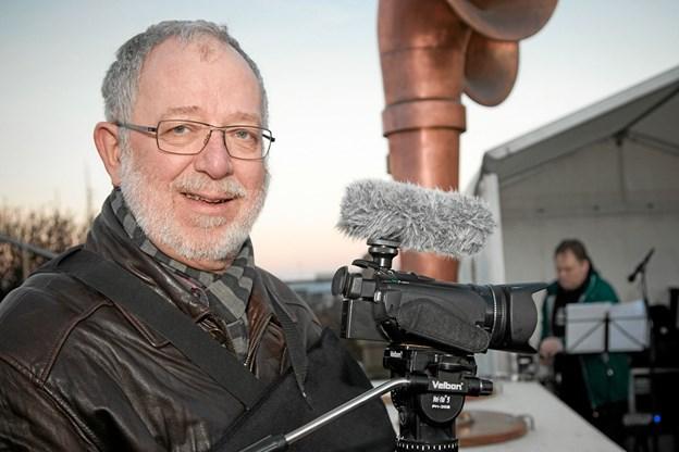 Per Christensen havde optaget og klippet den film som blev projiceret op på Hotel Hirtshals. Foto: Peter Jørgensen Peter Jørgensen