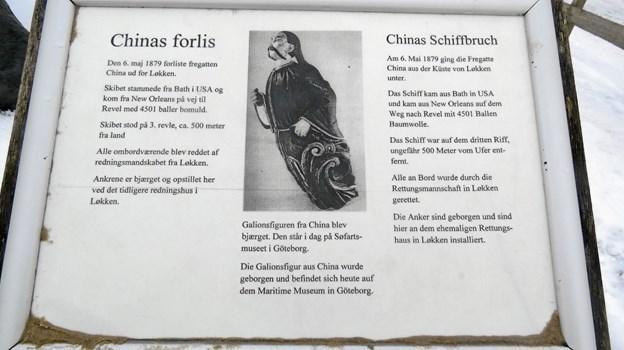 Historien om Chinas forlis ud for Løkken med billedet af galionsfiguren som står på Søfartsmuseet i Göteborg. Foto: Kirsten Olsen. Kirsten Olsen.