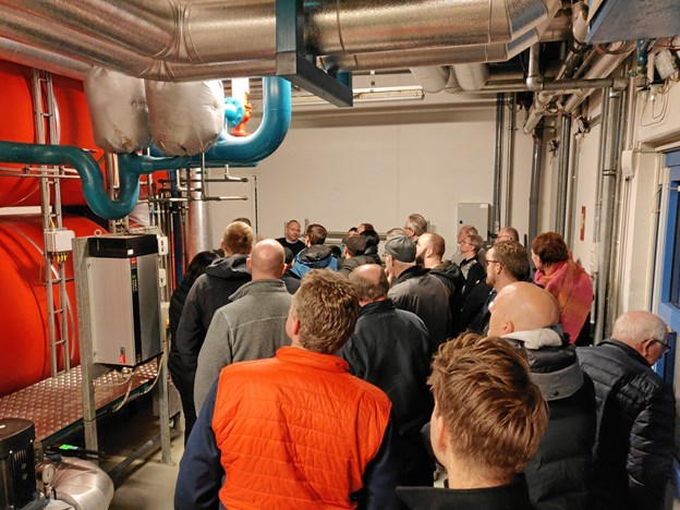 Der var på forhånd så stor interesse for virksomhedsbesøget hos Støvring Kraftvarme, at flere måtte afvises. Privatfoto