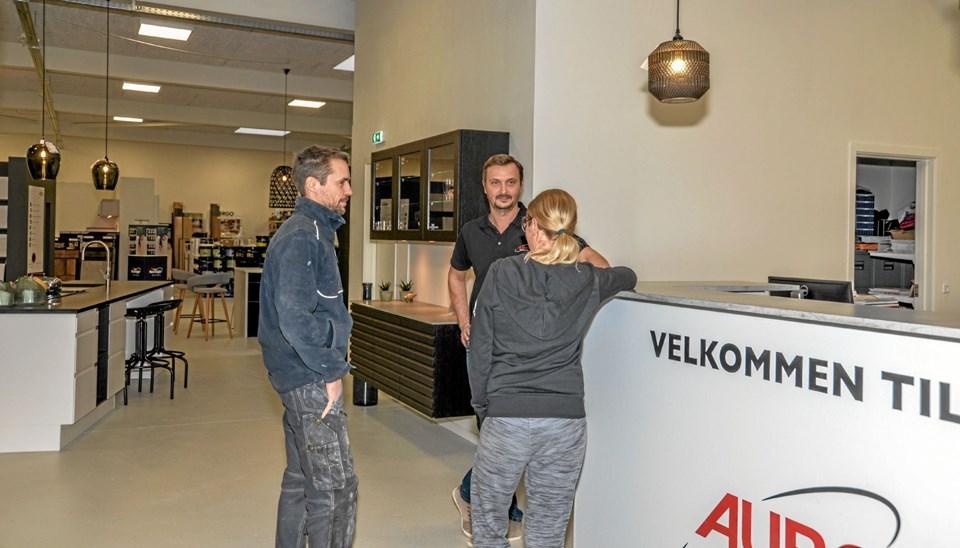 Den anden ejer, Morten Johnsen i samtale med interesserede. ?Foto: Mogens Lynge Mogens Lynge