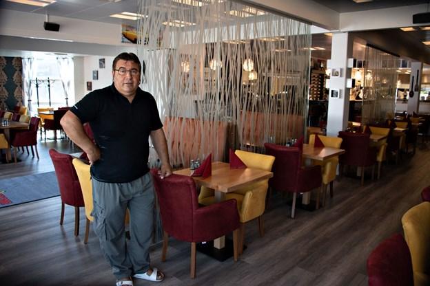 Den nye restaurant hedder Black Stone. Navnet refererer til dem mørke stenplader, som kødet serveres på. Foto: Kurt Bering