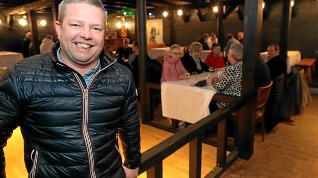 Lindy Aldahl gæstede tirsdag aften Kaperen i Hals med et muntert foredrag. Foto: Allan Mortensen