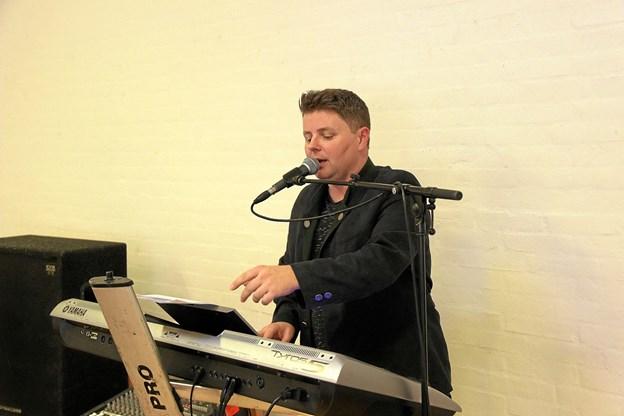 Peter Le Fevre stod for musikken.Foto: Hans B. Henriksen Hans B. Henriksen