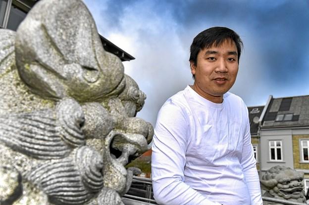 """Wei """"Kim"""" Yang er glad for at han valgte Thisted fremfor Horsens at indrette ny restaurant. i november måned fejrer LULU fem års fødselsdag. Foto: Ole Iversen"""