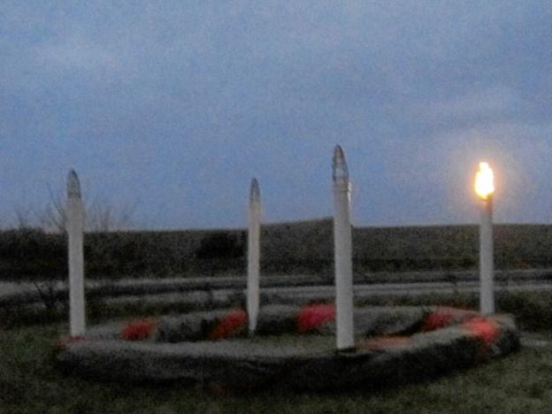 Så er der igen kommet lys i den store adventskrans i Kgs. Tisted placeret foran kirken på det grønne areal på hjørnet ud mod Løgstørvej. Privatfoto
