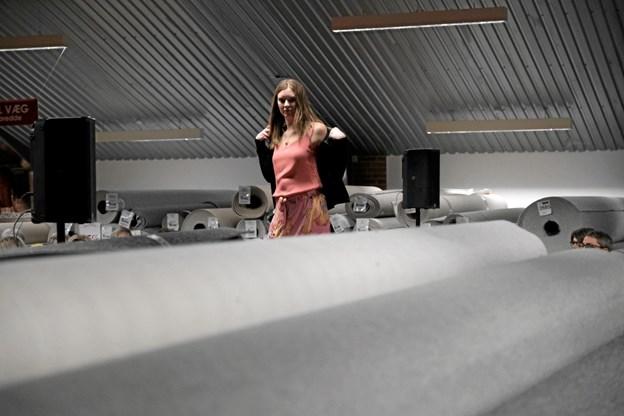 Blandt væg-til-væg tæpper præsenterede Nicole forårets og sommerens mode. Foto: Niels Helver Niels Helver