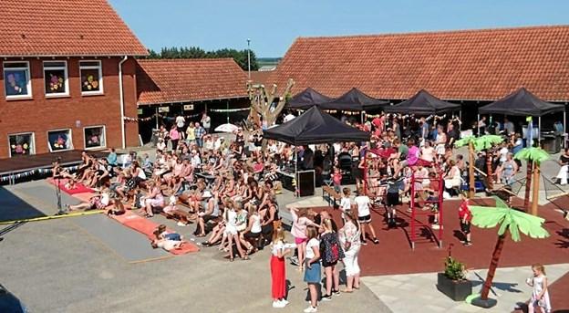 Så er der igen rock og dans i skolegården i Ingstrup. Privatfoto