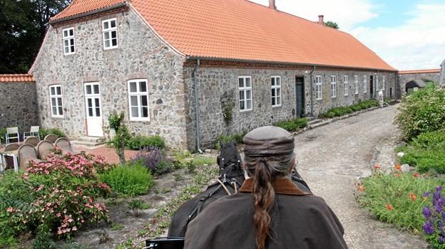 """Ved """"Genopdag historien - arrangementet"""" på Ny Spøttrup i juni måned kørte den lokale Benny Mortensen stemningsfyldte ture med gæsterne. Fotos: Svend Møller, Give."""