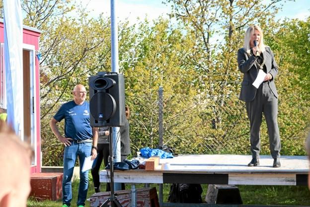 Efter Gunner Møller Nielsens velkomst, overtog borgmester Birgit Hansen podiet og opfordrede eleverne til at 'give den gas' og samtidig være gode kammerater. Foto: Tommy Thomsen Tommy Thomsen