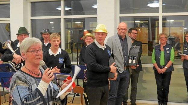 Havfrue Lene Nielsen takkede for en festlig aften. ?Foto: Kirsten Olsen Kirsten Olsen
