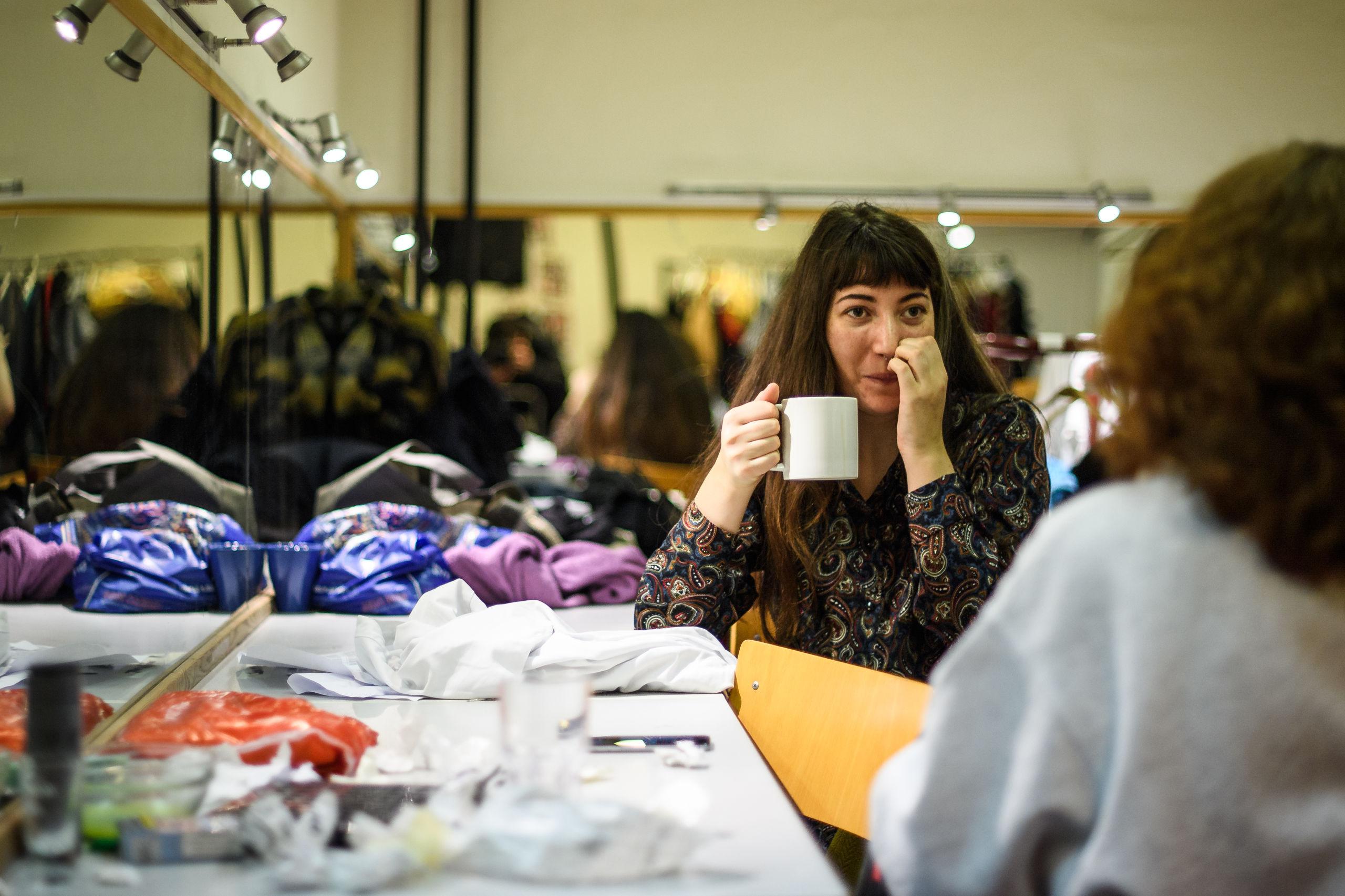 Der bliver lige tid til en kop kaffe, inden der skal knokles i øvesalen igen. Foto: Nicolas Cho Meier