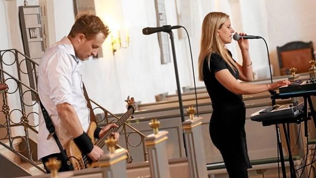 Duoen Me and Maria optrådte søndag eftermiddag i Vester Hassing Kirke. Foto: Allan Mortensen