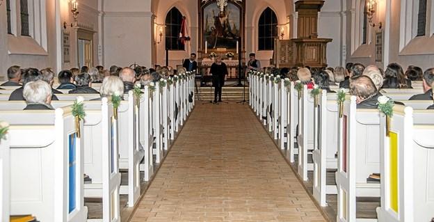 Der var mange tilhørere til julekoncerten med Marie Carmen Koppel i Løgstør Kirke. Foto: Mogens Lynge Mogens Lynge