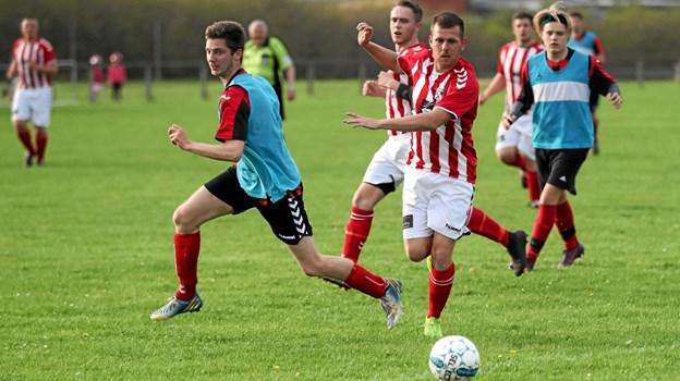 Ulsted i stribede bluser vandt opgøret 1-0. Foto: Allan Mortensen