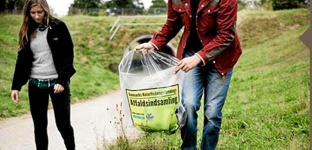 31. marts går borgerne i Godthåb på gaden for at rydde op i byen. Foto: Danmarks Naturfredningsforening