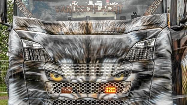 Smukke biler, hvor kun fantasien sætter en grænse for, hvad der er muligt at gøre ved en lastbil. Foto: Mogens Lynge Mogens Lynge