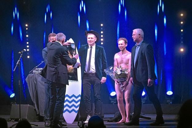 Årets Thy Award show blev afviklet over tre timer i Thyhallen. Brian Lykke udtrykte, trods dette billede, at han var superglad for at være en del af Thy Awards. Foto: Ole Iversen