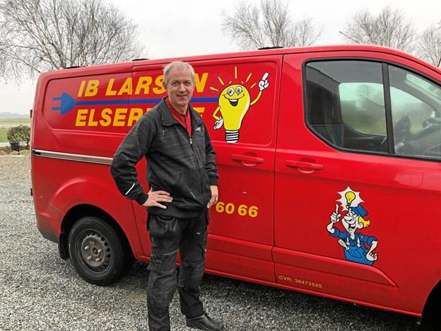 Ib Larsen Elservice åbnede 1. februar 1994. Privatfoto.