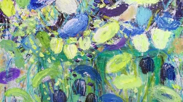 Blomster er et af de gennemgående temaer i Erik Linows del af særudstillingen i Gatten.  Privatfoto