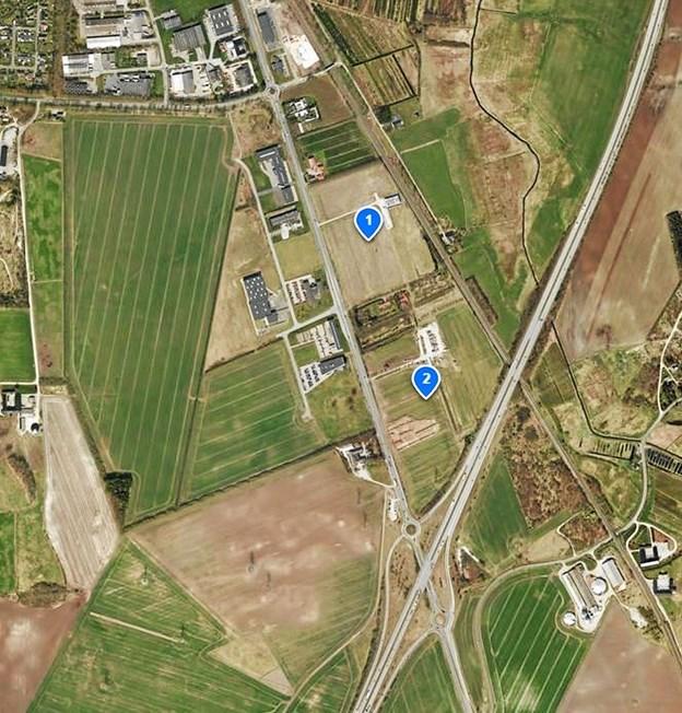 Til venstre for Hobrovej ligger den kommunale udstykning Flødal og til højre de private udstykninger mærket 1 og 2. Foto: Karl Erik Hansen Karl Erik Hansen