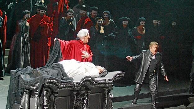 Og naturligvis med dramatisk musik og et grusomt plot. Foto: Presse Presse