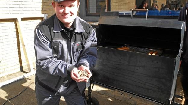 Træpiller, de skal være uden lim, er fortrinlige til en grill.