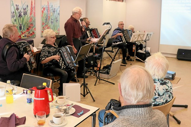 Fyensgades Harmonikaforstyrring leverede underholdningen. Foto: Allan Mortensen