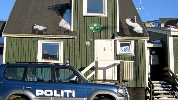 Politistationen i Upernavik har en bemanding på to mand samt et par reservebetjente, hvis det er nødvendigt. Bilen kan bruges i nærområdet, men ellers er det med helikopter om vinteren eller politikutter om sommeren, hvis man skal længere væk. Privatfoto privatfoto
