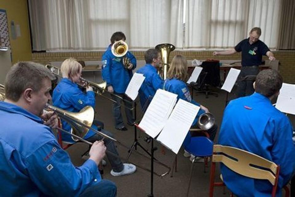 Orkesterkurset bliver afsluttet i dag med en koncert på Hjallerup Skole, hvor alle er velkomne til at kigge forbi og se, hvad eleverne har lært.