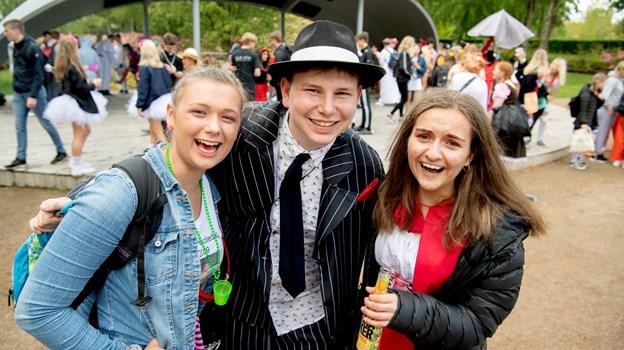 Fredag 24. maj var der sidste skoledag for de ældste elever på skolerne i Brønderslev, og efter skoletid var der feststemning i Hedelund.Foto: Henrik Louis HENRIK LOUIS