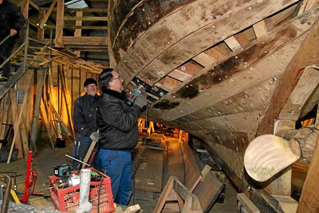 Nu er Gøl Båden snart færdig med montering af planker. Flemming Dahl Jensen