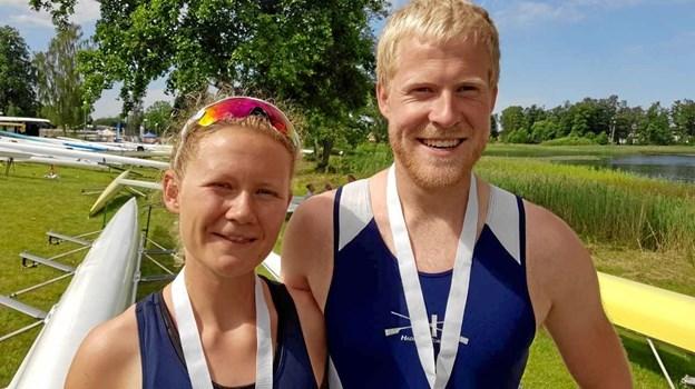 Seniorroerne Trine Toft Andersen og Peter Rytter Munk fra Hadsund Roklub fik henholdsvis sølv og guld med sig hjem fra de nordiske mesterskaber i Norge. Privatfoto