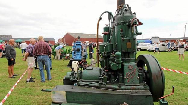 De imponerende gamle motorer tiltrak stor opmærksomhed på den historiske havnedag i Asaa. Foto: Jørgen Ingvardsen
