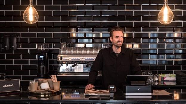 Priserne på kaffe er stukket af - derfor går Coffee Ten nu en helt anden vej, fortæller Christoffer Andersen. PR-foto