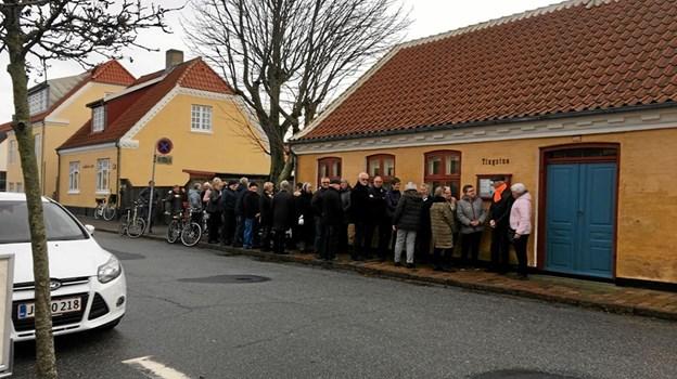 Køen ved billetudleveringen i november strakte sig et pænt stykke hen ad Sct. Laurentii Vej. Den 12. januar kan man stå inden døre i Kappelborgs foyer. Foto: Annalise Nymand