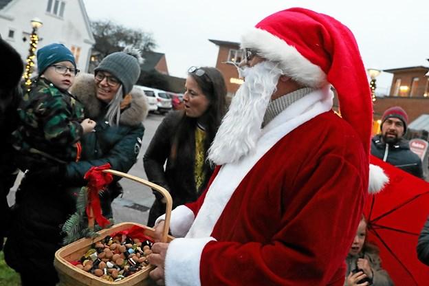 Også julemanden kom forbi. Foto: Allan Mortensen Allan Mortensen
