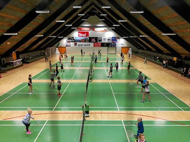 Der skal spilles turnering i hallen lørdag eftermiddag, når der holde firmabadminton. Privatfoto.