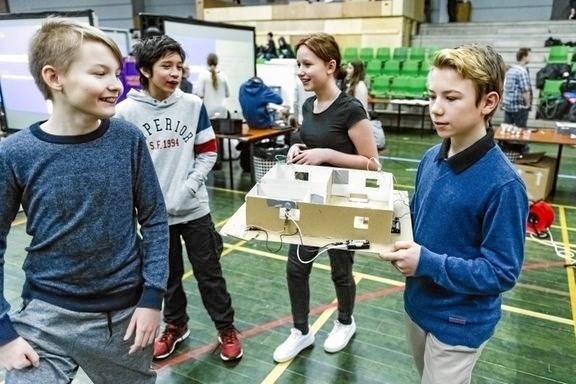 Eleverne arbejder som opfindere og ingeniører i Naturfagsmaraton. Foto: Naturvidenskabernes Hus