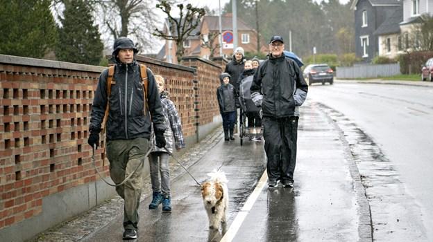 Lunt og regntæt tøj var uundværligt for julemarchens deltagere i år.