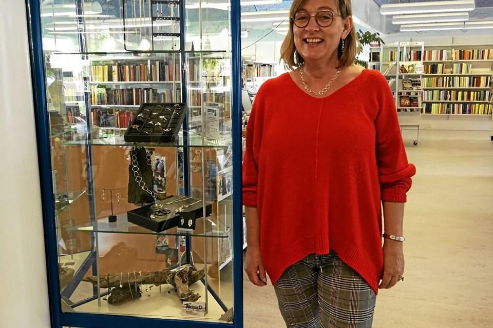 Alette Nørgaard på Pandrup Bibliotek Foto: Birgitte Poulsen Birgitte Poulsen
