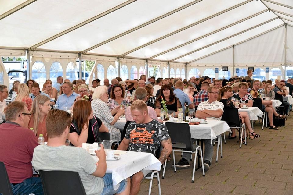 Til dimissionsfesten deltog 224 elever, forældre og pårørende. Blandt gæsterne var også folketingsmedlem Bjarne Laustsen (A). Foto: Niels Helver Niels Helver