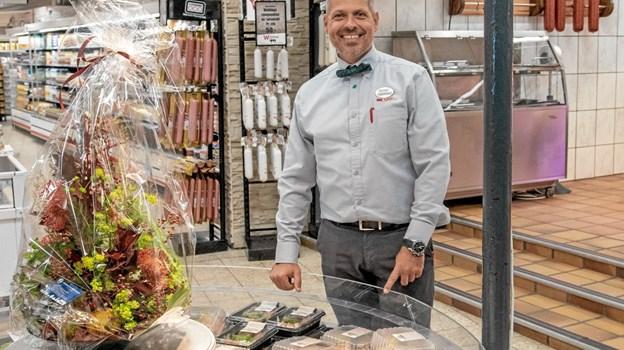 """September: Efter en kort lukkeperiode genåbnede købmand René Ejstrup Larsen den velrenommerede slagterforretning """"Slagter Winther"""" den 12. september. Foto: Niels Helver Niels Helver"""