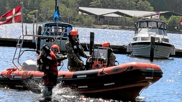 """I løbet af dagen gennemførte Marine Hjemmeværnet """"mand over bord-øvelser"""" i havnebassinet. Foto: Privat Privat"""