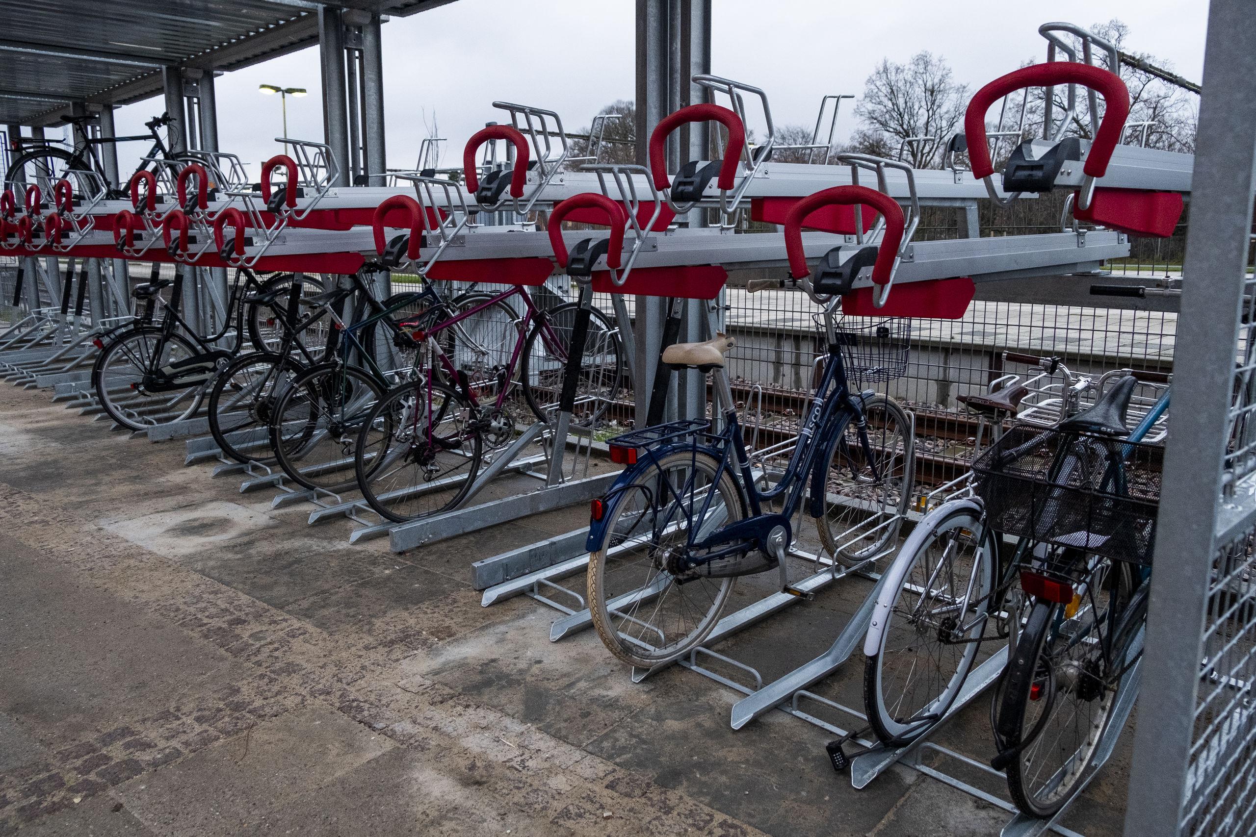 En række andre byer har gode erfaringer med cykelparkering i to etager. Foto: Lasse Sand