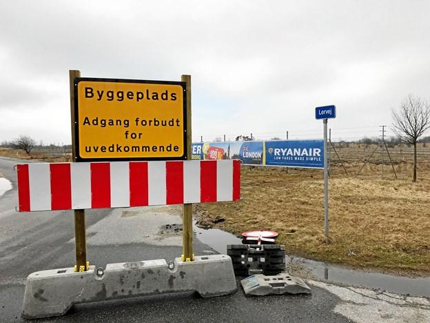 Der er stor anlægsaktivitet i hele området ved Lervej, der nu er lukket af for uvedkommende færdsel. Foto: Torben O. Andersen