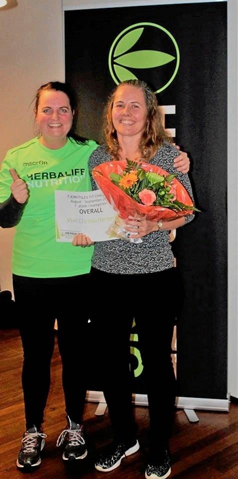 Hovedvinder af overall kategorien Vivi Christoffersen med coach Bettina Brøndum Andersen.Privatfoto
